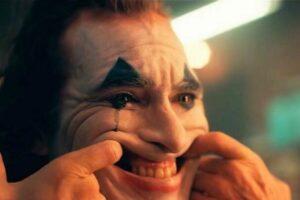 joker-falsa-sonrisa-768×406